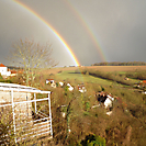 Regenbogen über den drei Häusern