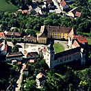 Luftaufnahme von Schloss Bartenstein und Umgebung